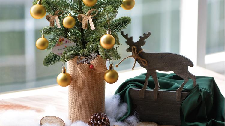 Tuyệt chiêu trang trí cây thông để bàn siêu dễ thương