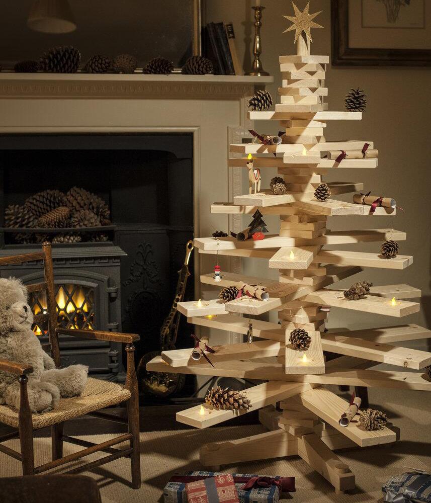 Làm cây thông Noel bằng gỗ đơn giản