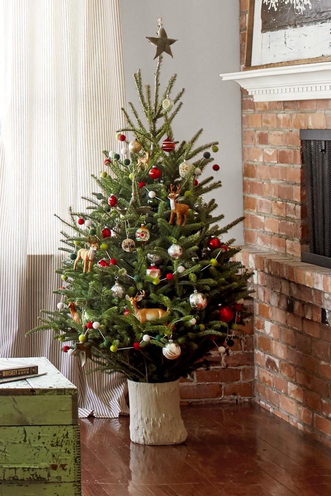 Chọn thêm giá đỡ khi thuê cây thông Noel