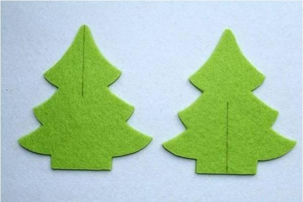 Kẻ đường thẳng trên 2 mảnh cây thông