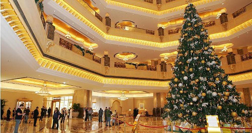 Chia sẻ kinh nghiệm mua cây thông noel cho khách sạn